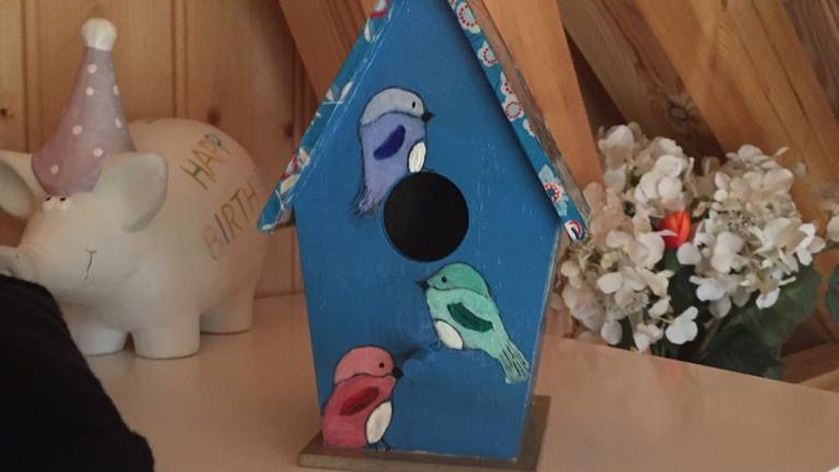 Vogelhuisje versieren